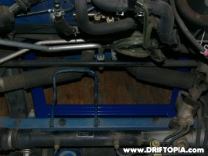 Jpg of the Che brace (top view)installed on the mr2 spyder mr-s
