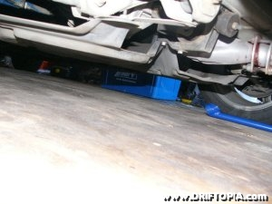 Jpg image showing the plastic engine tray on the MR2 Spyder / MR-S