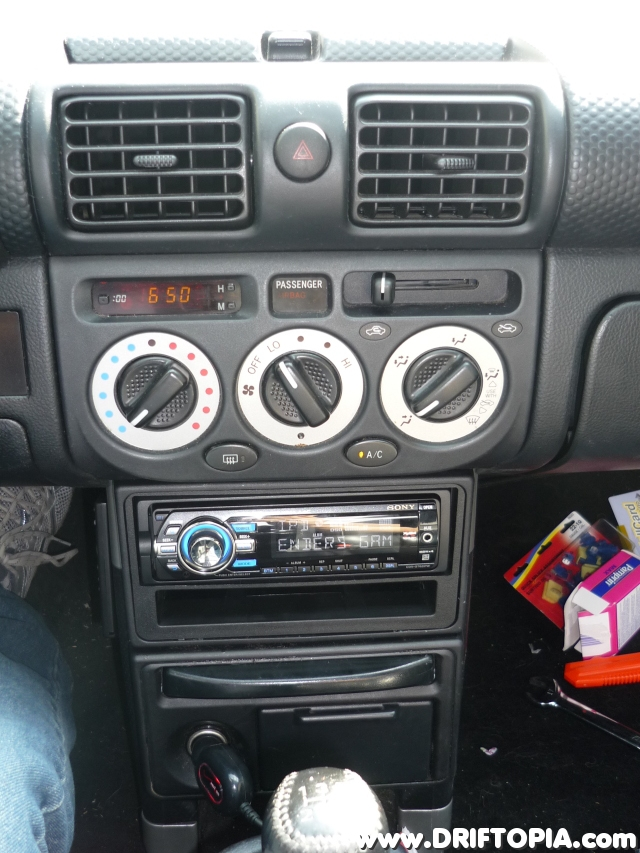 The new head unit installed.  The free space below will be used for gauge mounting.