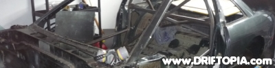 header image of the roll cage in the 240sx.